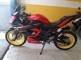 Kawasaki Ninja 250 Mono merah melayani kredit dan tukar tambah