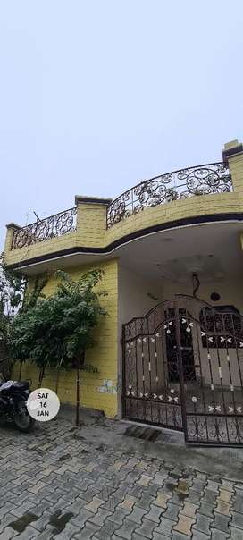 5 Marla Kothi for Sale, well built, 200 meter from main road