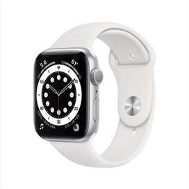 Apple Watch Series 6 (40mm GPS, Silver, White Sport Band)