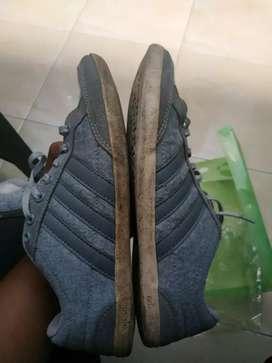 Sepatu adidas ori ukuran 42 2/3