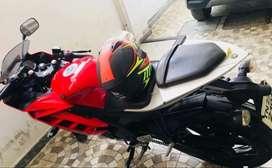 Yamaha r15 version 2 31500 kms red n white