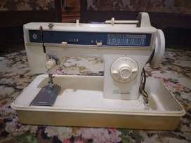 Singer sewing machine (ziczac)