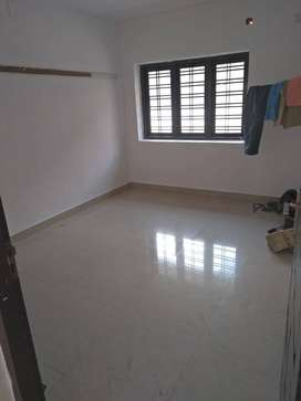 2 bhk first floor with car park unichira thoppil