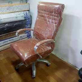 New office boss chair in direct factory price.