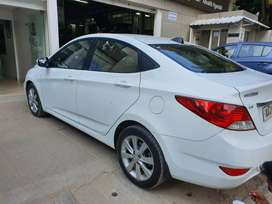 Hyundai Verna top end model to sell 2012 end