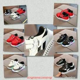 IC10-three colors kids boys&girls LED sporty shoes