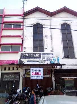 Dijual toko 3 lantai di Beurawe (nego)