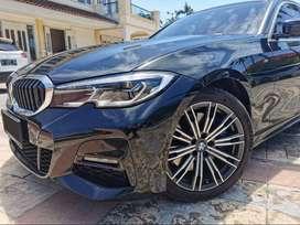 BMW 330i M Sport 2021 | Low KM | Sunroof