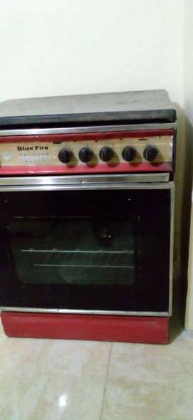 Cooking range available in mint condition