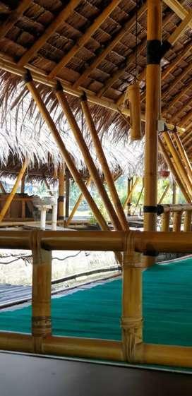 lesehan pondok bambu/lesehan apung