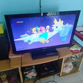 Dijual lcd TV Toshiba regza 32 inchi normal mulus hdmi USB vga pc Remt