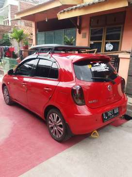 Jual mobil Nissan march 2013