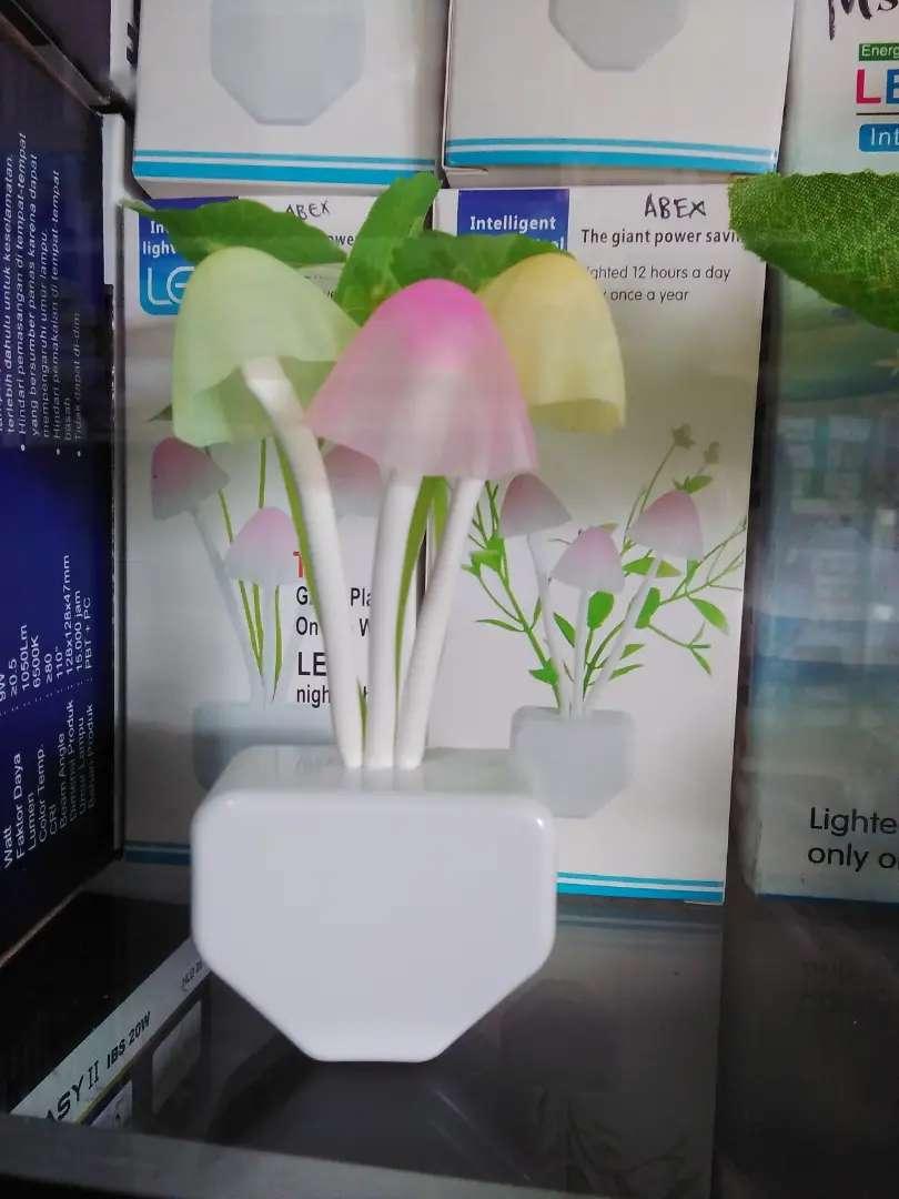 Lampu tidur LED teratai Sensor Cahaya 0