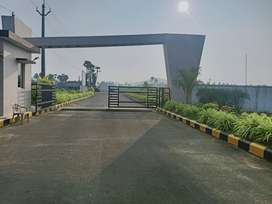 READY TO CONSTRUCTION IN OPEAN PLOTS LOW PRICE HIGHWAY FACING