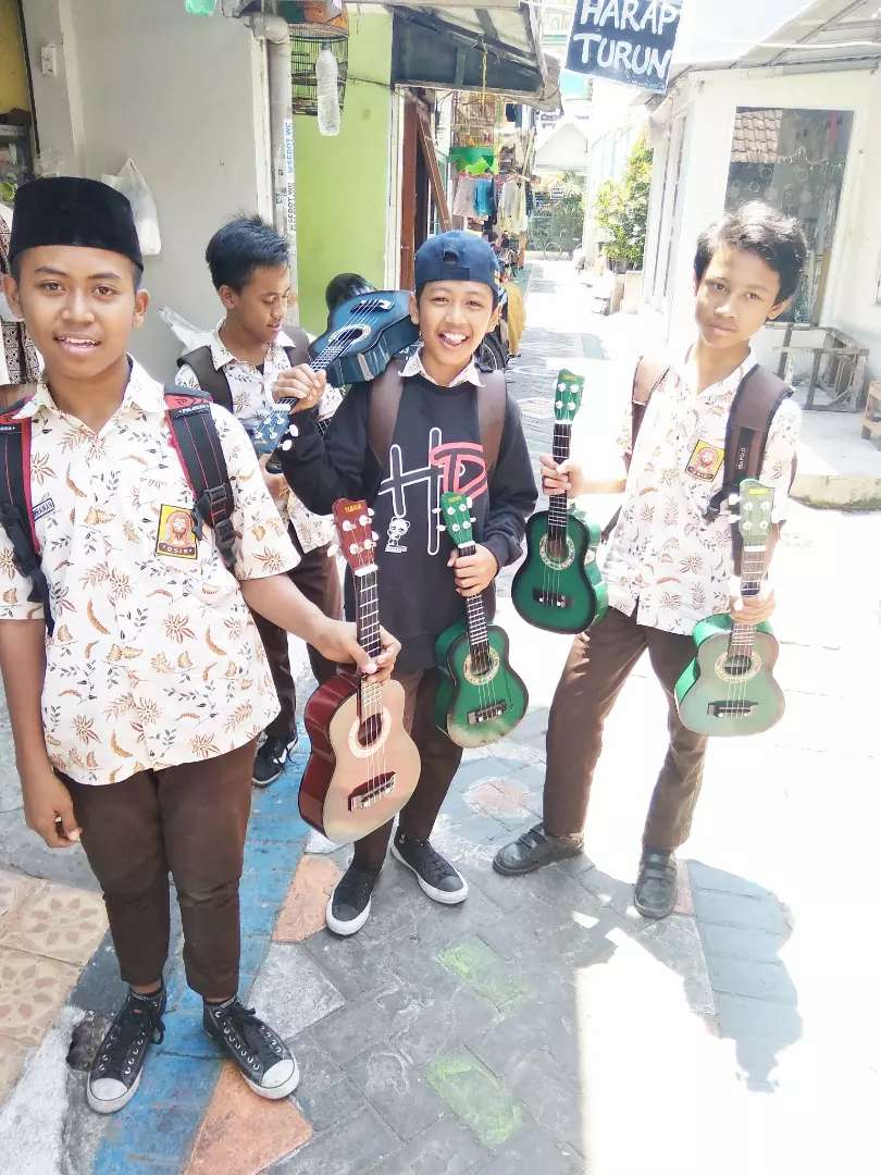 Gitar kentrung Joss 0