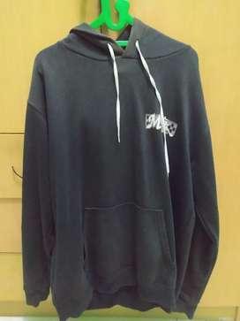 Jaket hoodie jumper hitam size L