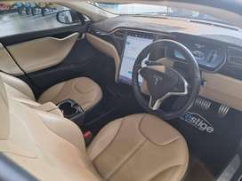 Tesla S PBSD 2014 Automatic