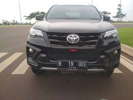 Toyota Fortuner TRD At 2018 Hitam