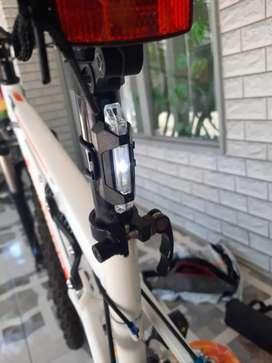 Lampu belakang sepeda