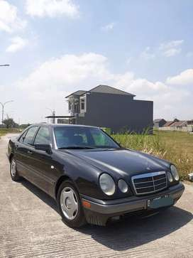 Mercedes W210 New Eyes E230 96 AT Mint Condition