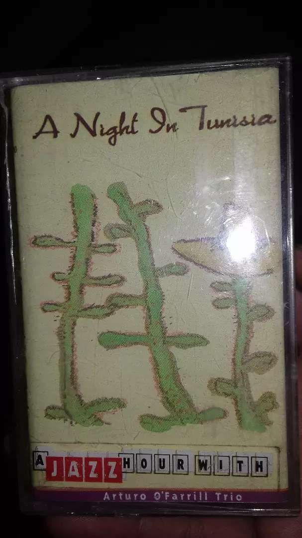 Kaset pita a night in tunisia aturo o farrill trio 0