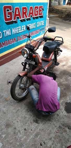 Bike service center mai helper ka job