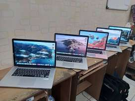 Macbook Pro Retina Core i7 ram 16gb SSD 256 Fullset dus layar 15inch
