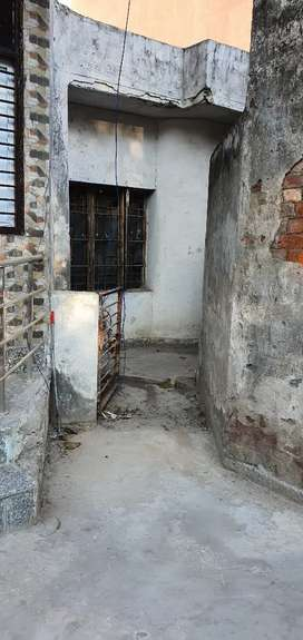 this is dda condition flat u can make 5 floor groud plus 4