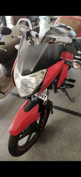 Bajaj palsar 135 ls red cololur