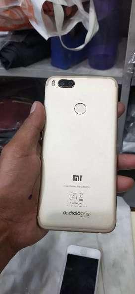 4G 64gb Mi A1 in 64gb touch crack h but shi kam kr rhi h