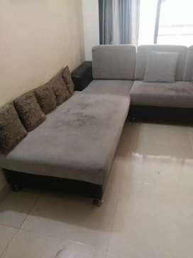 6 sitter L shape sofa in good condition