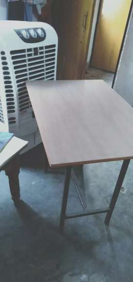 Study table - new strong and proper balanced...