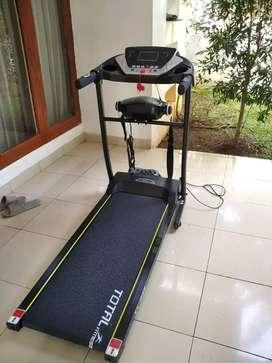 Treadmill  elektrik  Tl 246 tipe terbaru  dengan  2 fungsi