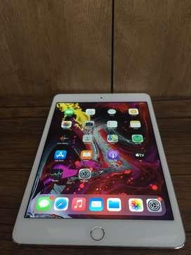 iPad Mini 4  Wi-Fi Only 64 GB, Silver