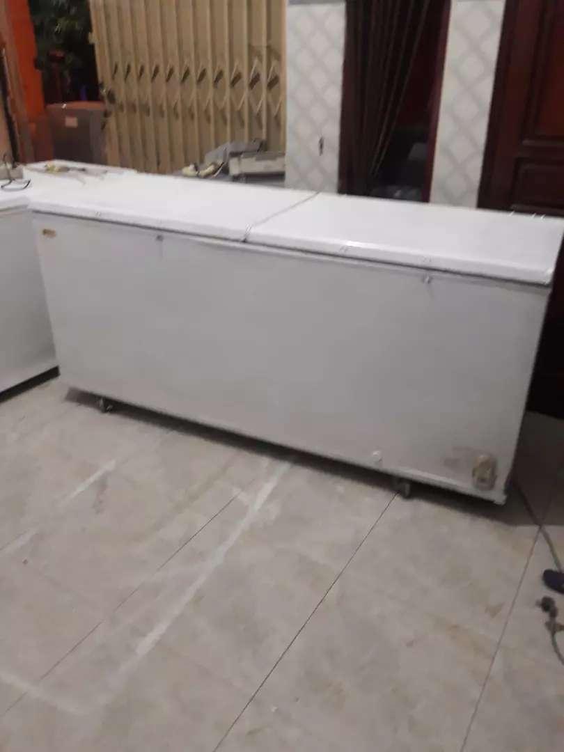 Kulkas frezer box 2 pintu merk gassio ukuran 688 liter normal jaya 0