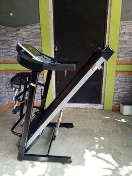 Motorized Treadmill Haneda family gym