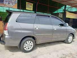 Toyota Kijang Innova type V