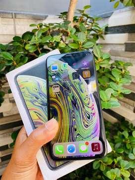 Iphone xs 64 gb fullset bisa tt