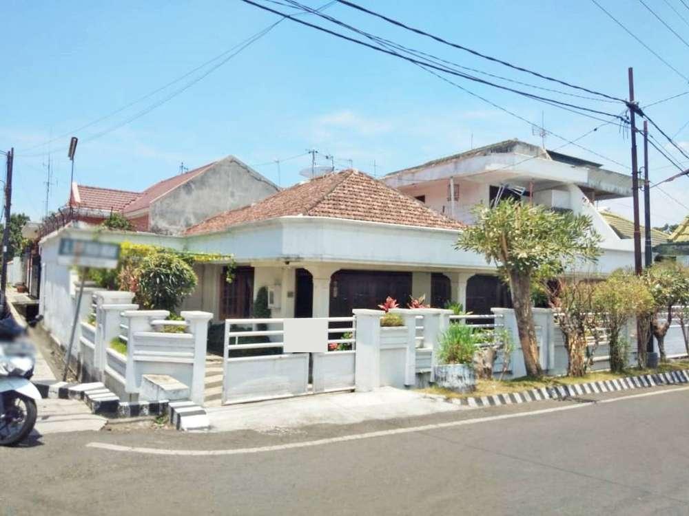 rumah bagus murah dan luas banyak kamar strategis tengah kota
