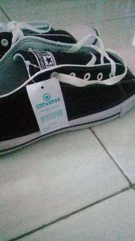 Jual sepatu sekolah merek all star Converse