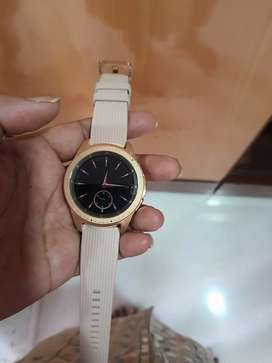 Samsung Galaxy smart watch pink colour n rosepink dial