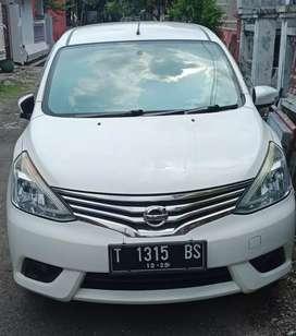 Jual Nissan Grand Livina Putih 2013 Murah
