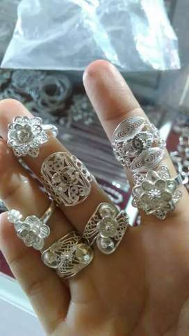 Aksesoris perhiasan