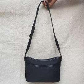 Bally hitam kanvas mix kulit asli made in Italy ada no seri sling bag