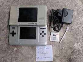 Nintendo DS Fat Phat NDS Silver with R4 4GB