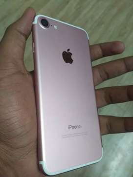 Selling iphone 7 32gb rose gold