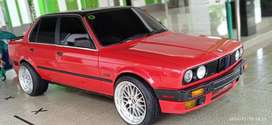 BMW 318i 1989 Bensin