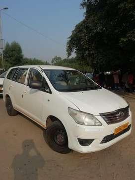 Taxi Toyoto Innova (good conditon)