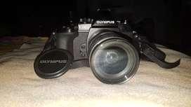 OLYMPUS OM-D E - M1 (Mirron Lense Camera)