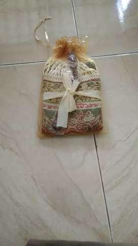 Paket Souvenir sajadah sejadah mini+tasbih+tile Souvenir parcel